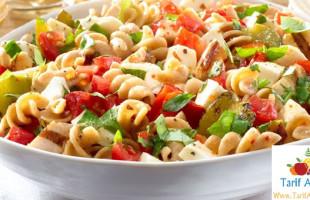 Bezelyeli, Tavuklu Makarna Salatası