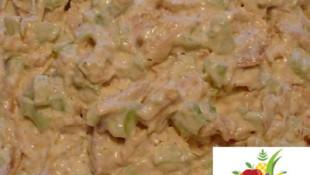 Tavuklu Kereviz Salatası Nasıl Yapılır?