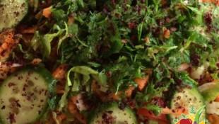Sumaklı Mevsim Salatası